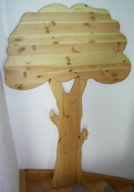 Kindergharderobe Baum